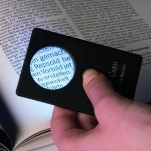 Лупа CREDITCARD 33 мм 3 кратная с подсветкой (ПОД ЗАКАЗ)